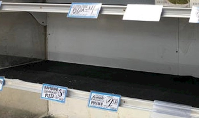 Kupci u jednom dućanu smijali su se kada su vidjeli što je jedino ostalo u hladnjaku s pizzama