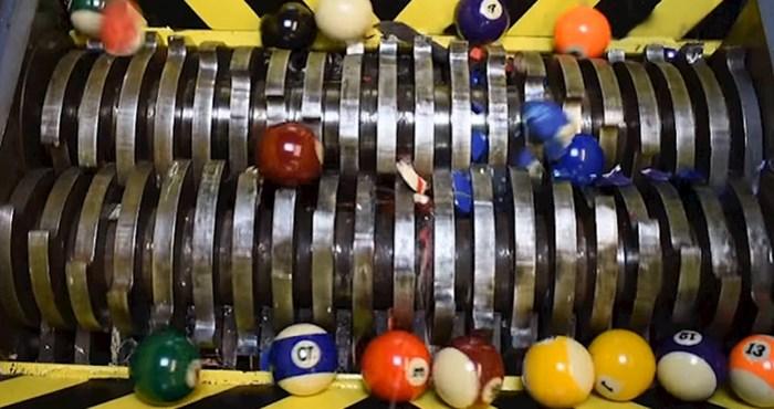 VIDEO Pogledajte kako ovaj željezni uništavač mrvi sve pred sobom, nema toga što on ne može uništiti