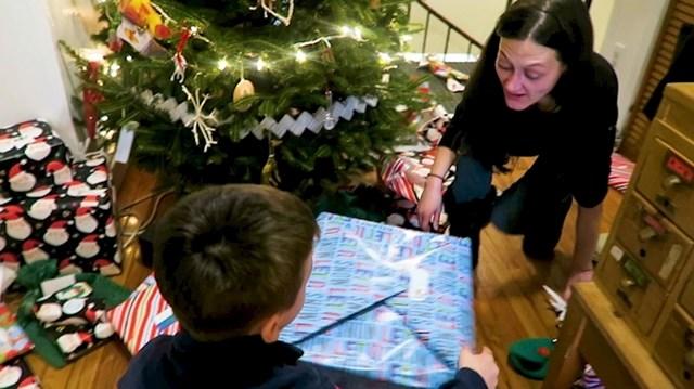 """""""Beskućnica mi je spasila bicikl od krađe, pa sam zvala nju i njenog sina na božićni ručak"""""""
