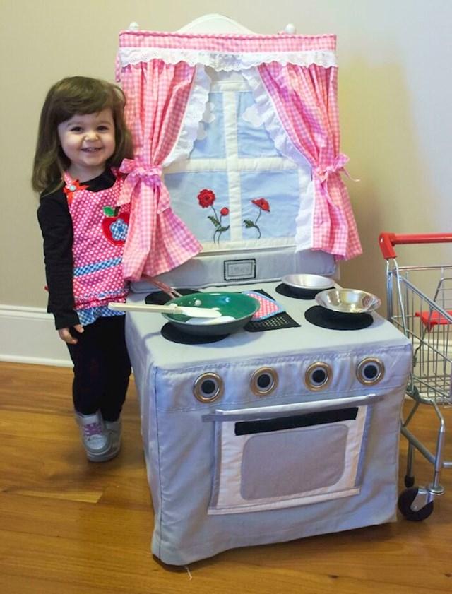 """""""Moja mama je napravila mojoj kćeri ovu divnu kuhinju"""""""