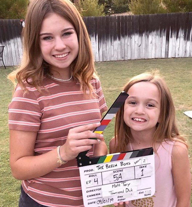 Popularnost je Chloe, ali i sestri donijela mnoge poslovne prilike