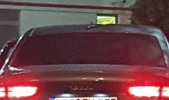 U Dalmaciji su fotkali ovaj auto zbog registracijskih oznaka, pogledajte zašto