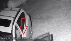 Ujutro su primijetili da nisu zaključali auto, prizor na nadzornoj kameri ih je iznenadio