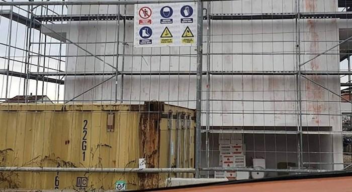 Na gradilištu je osvanuo natpis koji je sve oduševio i izmamio im osmijeh na lice