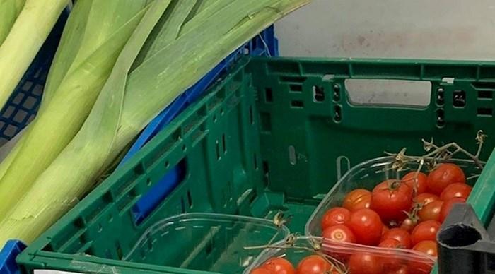 Netko je na tržnici slikao natpis za cherry rajčicu koji ga je prilično nasmijao