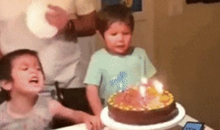 Morate vidjeti kako je tata uspio spriječiti dijete da ne ugasi svjećice na torti prije slavljenika