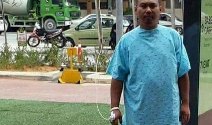 Ovaj pacijent je totalni kralj, morate vidjeti predmet koji mu drži infuziju