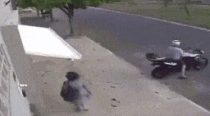 Ovu ženu zadesila je najbizarnija moguća nezgoda, nadzorna kamera je sve snimila