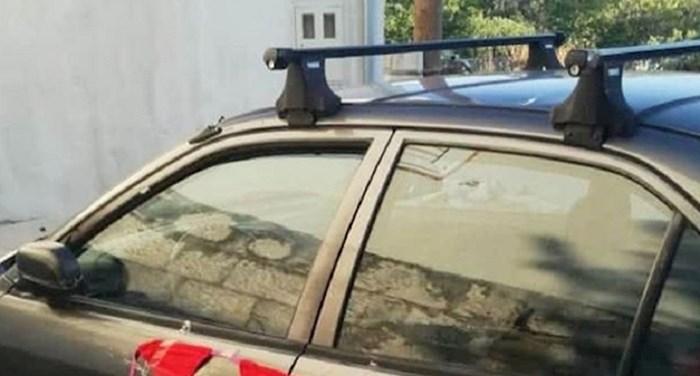 U Dalmaciji su fotkali neponovljiv prizor, pogledajte što je netko zalijepio na automobil