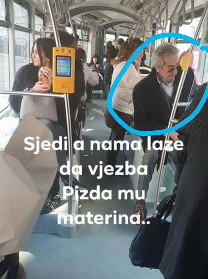 Netko je slikao penzića Tonija u tramvaju i na društvenim mrežama napisao zašto ga je naljutio