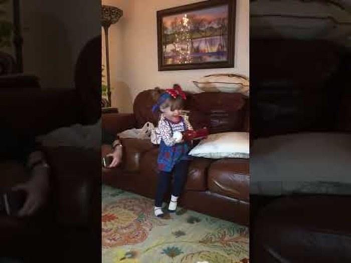 VIDEO Klinkica je za Božić dobila ketchup, obitelj nije očekivala ovakvu reakciju
