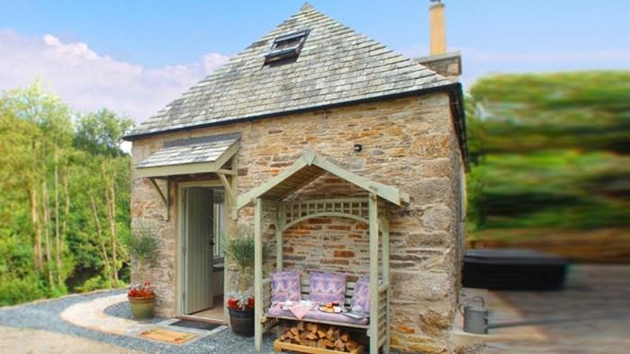 Izvana izgleda kao obična stara kućica, no njena unutrašnjost će vas potpuno očarati