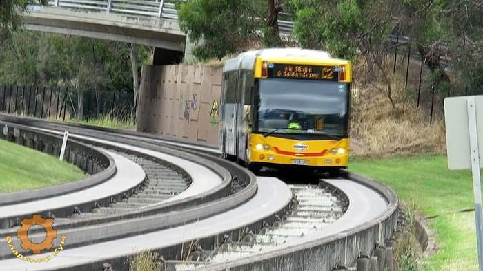 VIDEO Australci smislili kako ubrzati putovanje busom, evo kako izgleda vožnja na posebnoj betonskoj pruzi