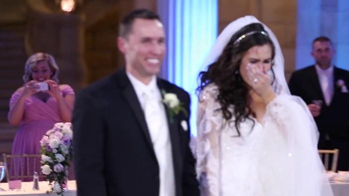 Mladenka je mislila da je njihov prvi ples upropašten, a onda se okrenula i  pukla od sreće