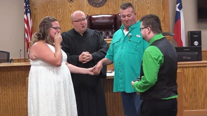 VIDEO Žena je prekinula sestrino vjenčanje kako bi napravila nešto zbog čega je mladenka zaplakala