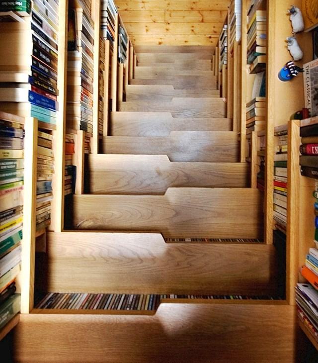 U vašem domu uvijek ima mjesta za još knjiga,  a ovo stepenište je i dokaz za to