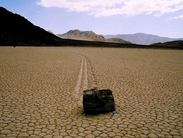 Kotrljajući kamen, Dolina smrti, Kalifornija