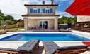 Malinska- Nova namještena kamena vila sa bazenom!
